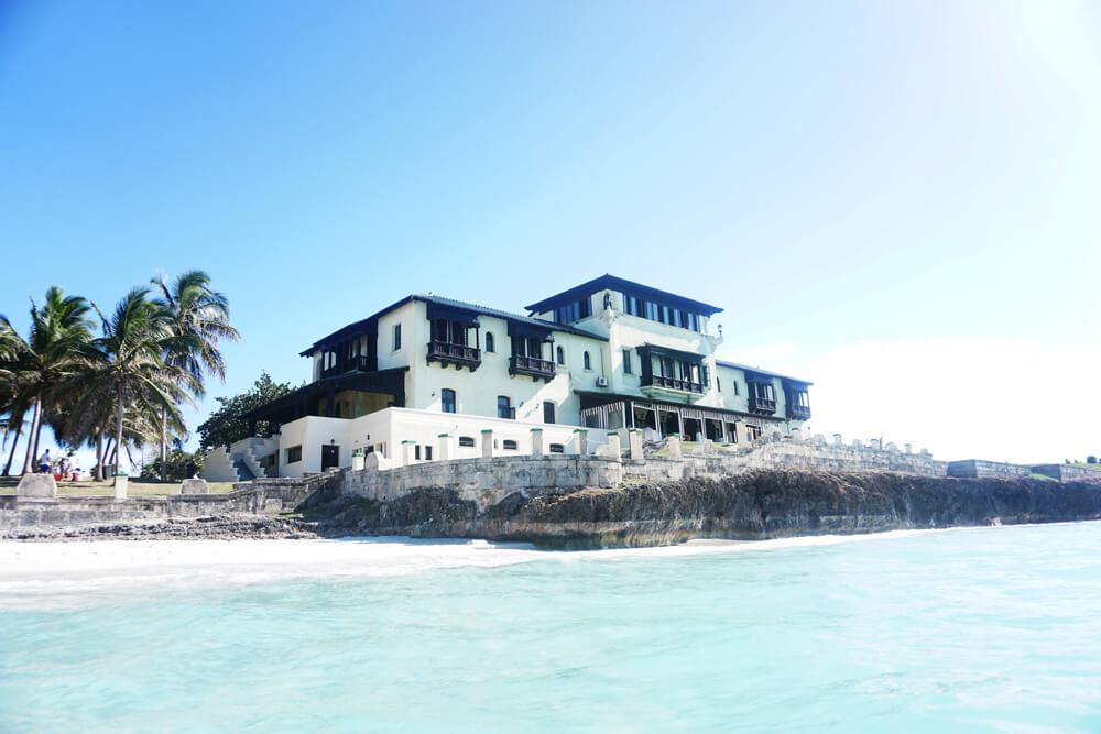 Cuba.Dupont.Mansion.Seaside